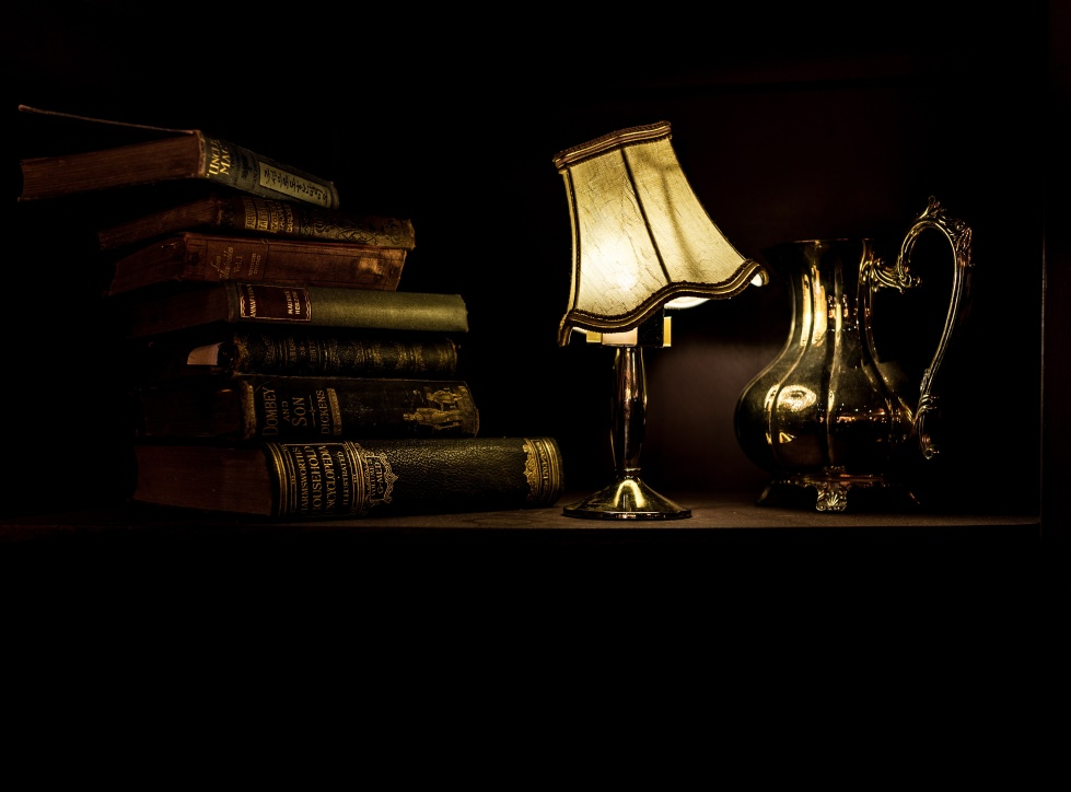lamp_books